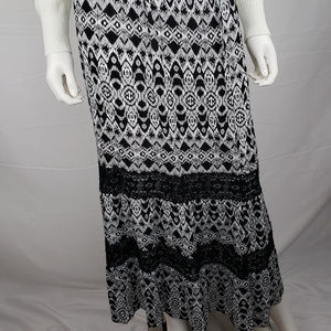 Faded Glory maxi skirt black white geometric Sz M